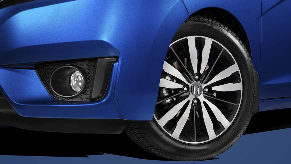 "Image of 2017 Fit 16"" aluminum-alloy wheels"