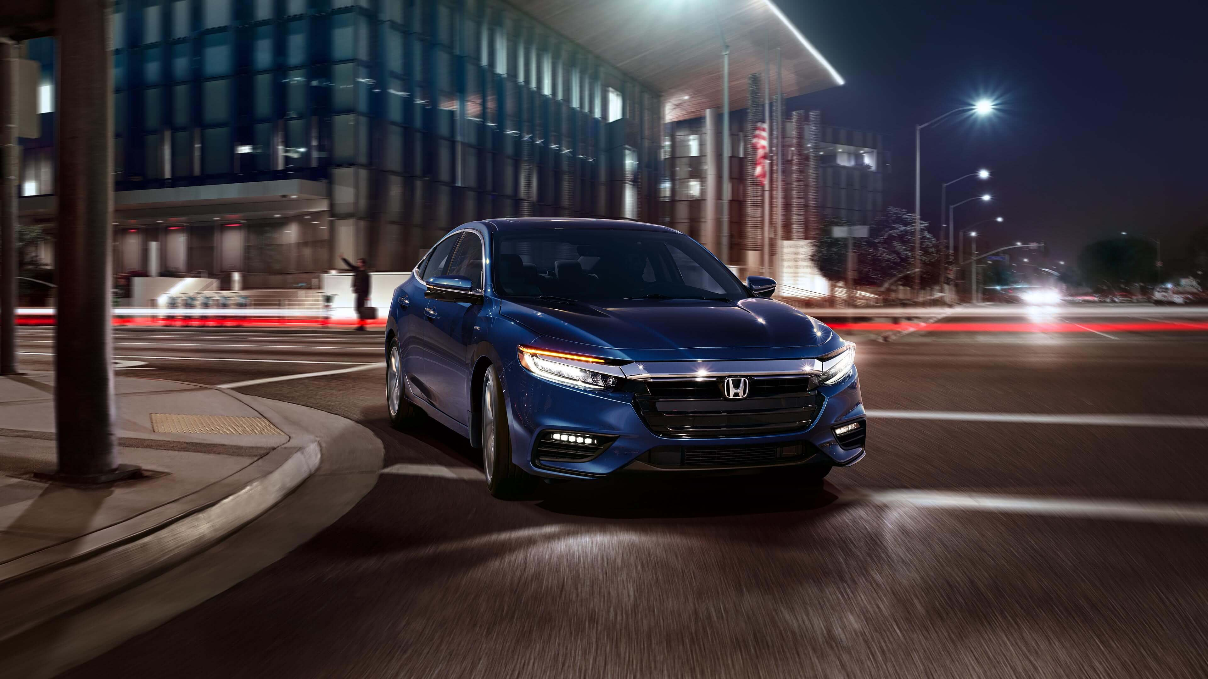 2020 Honda Insight turns a corner