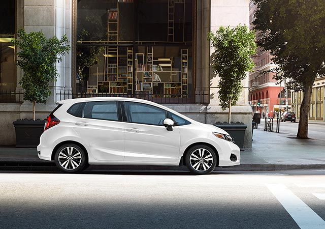 White 2018 Honda Fit