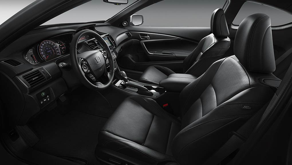 Image of the front seats in the Accord Coupe