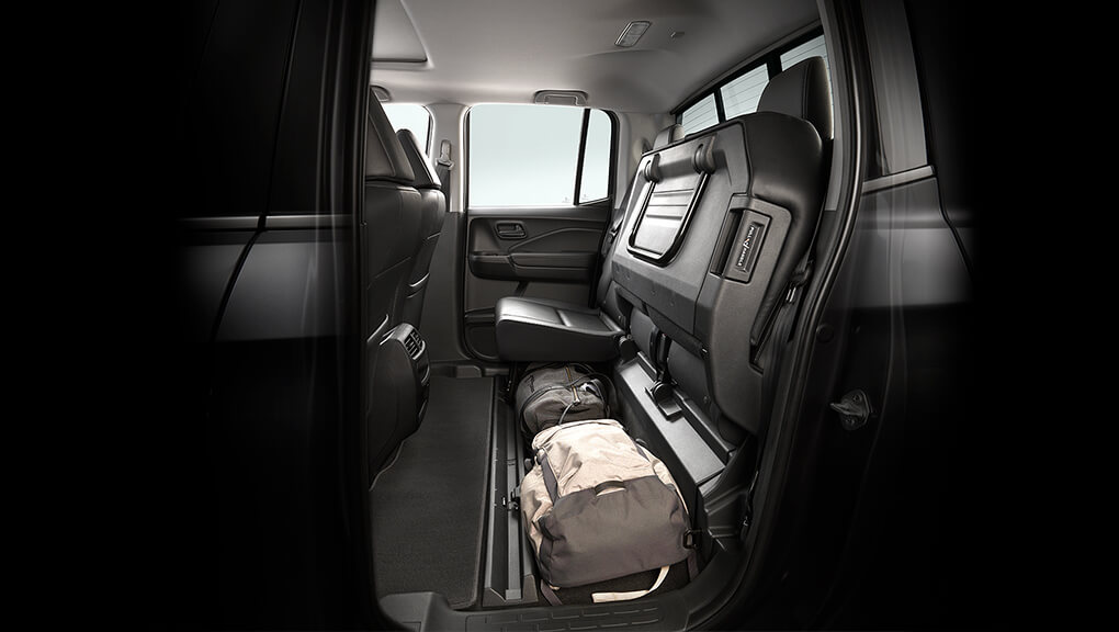Image of 2019 Ridgeline 60/40 split rear seats