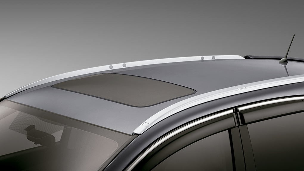 Image of available one-touch power moonroof with tilt feature on the 2016 Honda CR-V.
