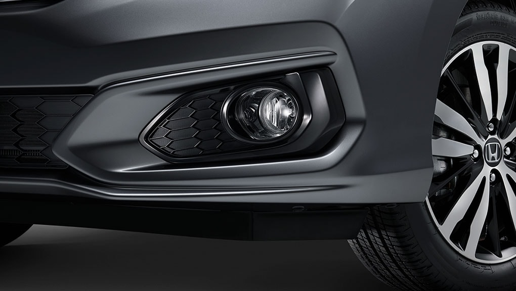 Image of 2018 Honda Fit integrated fog lights