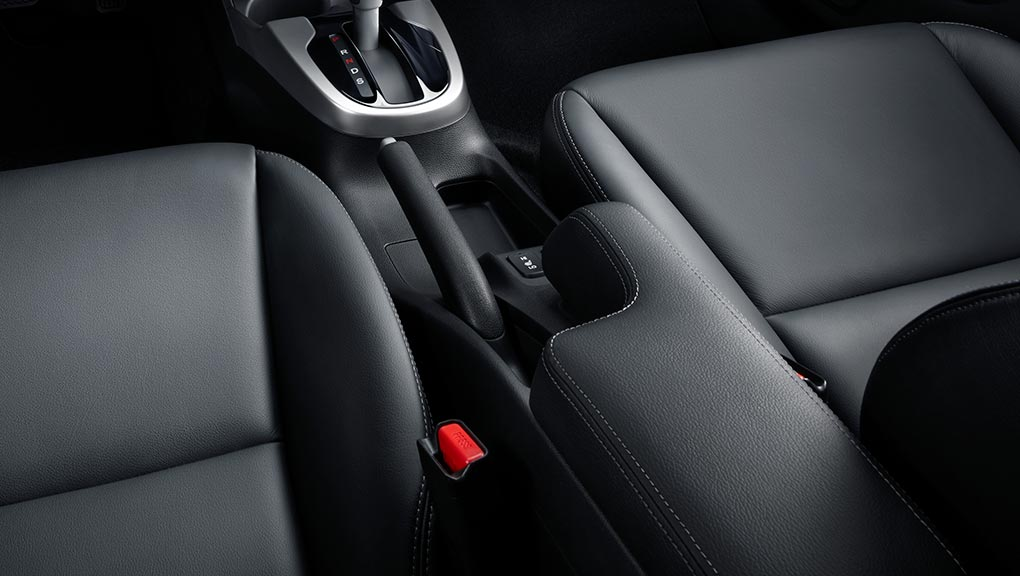 Image of 2018 Honda Fit leather-trimmed seating surfaces