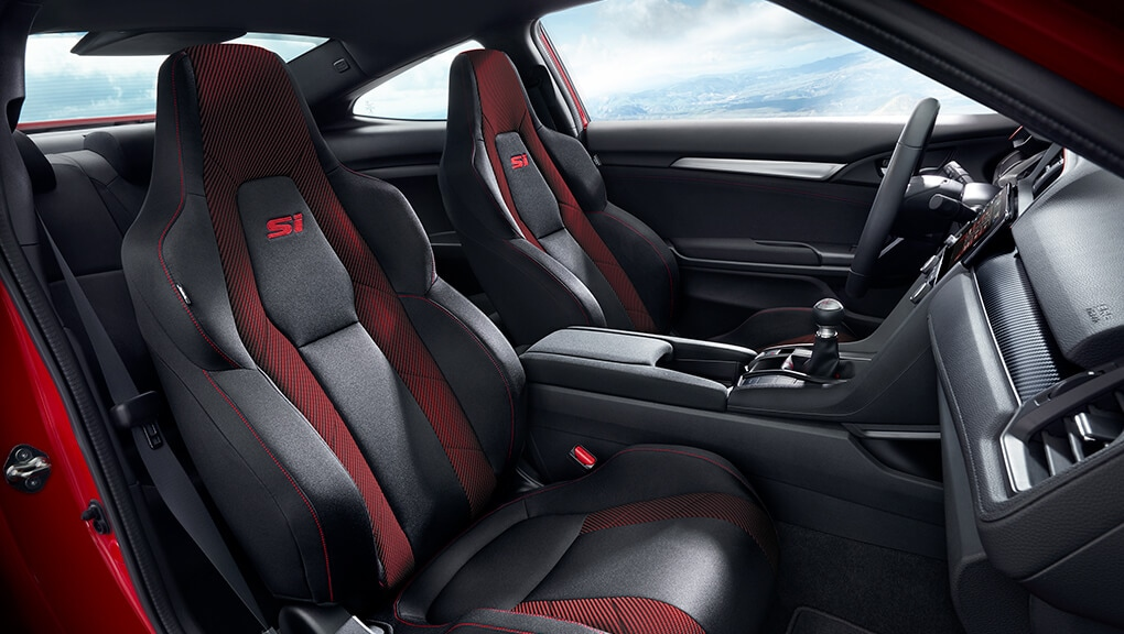 2018 Civic Coupe Si sports seats.