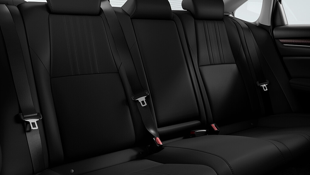 Image of 2020 Honda Accord Hybrid interior rear seating.