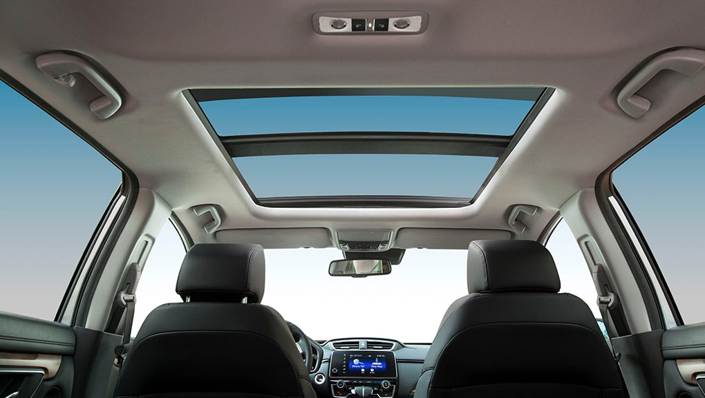 Image of 2018 CR-V one-touch panoramic moonroof